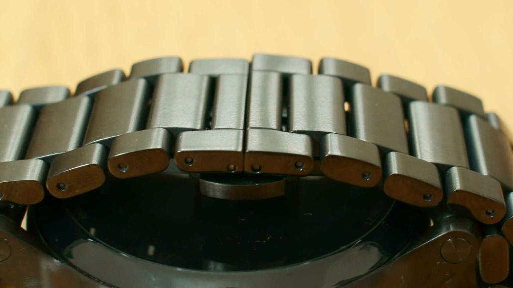 moto360(第2世代) ダークメタルバンド結合部
