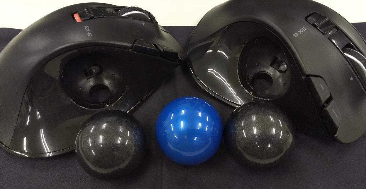2台のエレコム製トラックボール